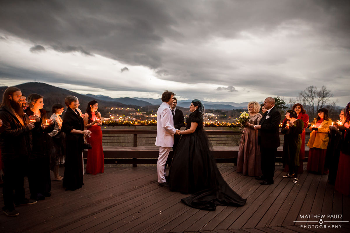Outdoor winter wedding ceremony | Crest Center Deck