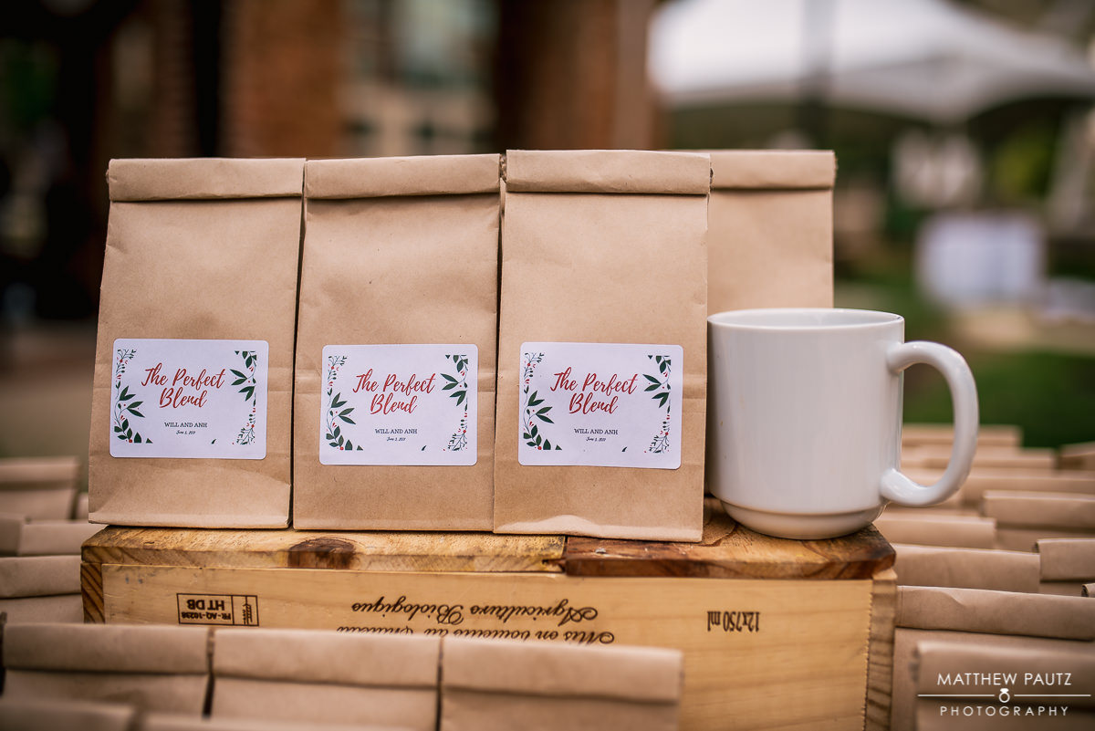 Bags of coffee as Reception gifts